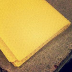 Bivaxplatta ca 70 gr   SLUT FÖR TILLFÄLLET.