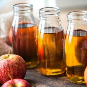 Äppelcidervinäger, örter, kryddor & kanske lite bär.